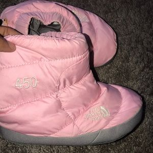 🐷 THE NORTH FACE BOOTIES